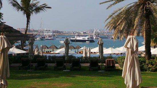 Le Meridien Mina Seyahi Beach Resort and Marina: Beach front