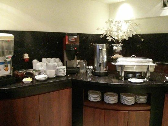 Sea Net Hotel: DINING ROOM
