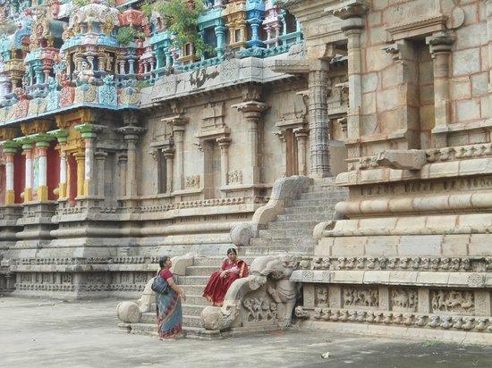 Kambahareswarar Temple: OUTSIDE OF MAIN SANNIDHANAM