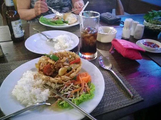 Aonang Villa Resort: Dinner