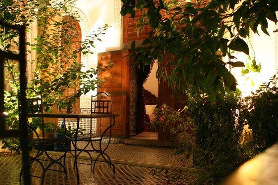 Riad Le Sucrier De Fes: Le patio