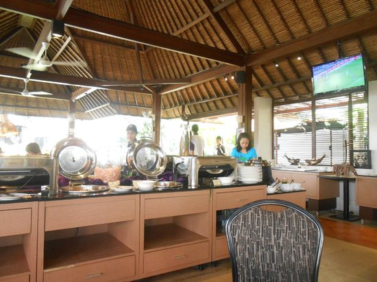 Kuta Central Park Hotel: lotus cafe for breakfast