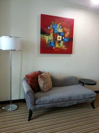 Hatten Hotel Melaka : Pretty chaise I love!