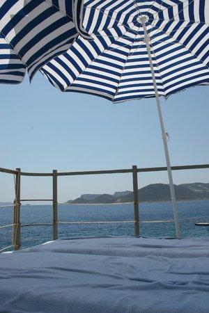 Diva Residence Hotel: Beach view.