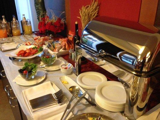 Base Hotel To Work: buffet colazione, il salato