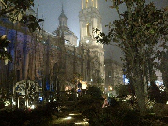 Basílica de Nuestra Señora del Pilar: Basilica del Pilar e Presepe