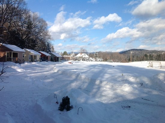 Valley Brook Cottages: Winter view