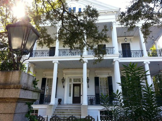 Garden District: Witches' mansion from American Horror Story