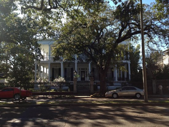 Garden District : Witches' mansion from American Horror Story