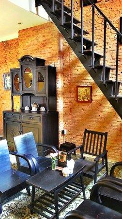 The Magonn Coffee Studio: Antique