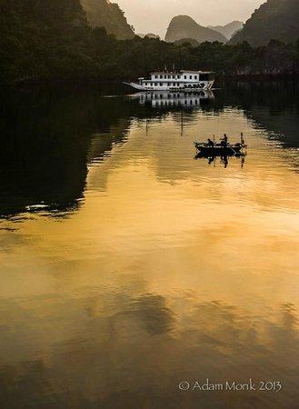 Monk Art Photography Gallery: Halong Bay, Vietnam