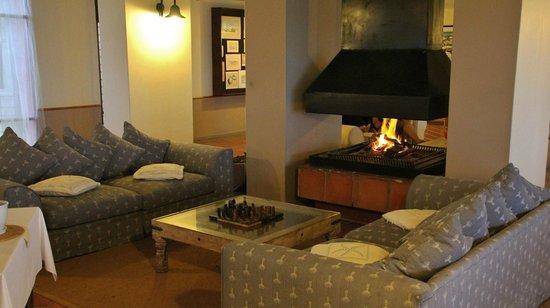 Cape Cross Lodge: Lounge