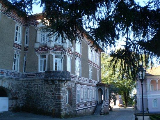 Bussaco Palace Hotel: ventanas y balcón de nuestra hab itación de matrimonio