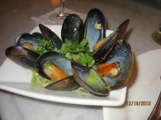 Max Fish : RI Rhody mussel pasta