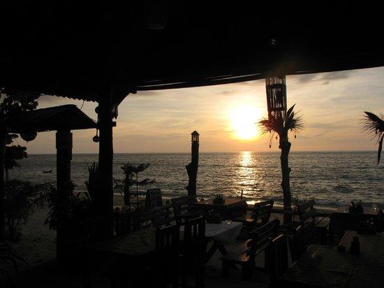 Green Chilli Restaurant: Sunset very good!