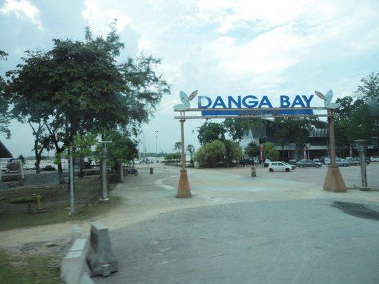 Danga Bay: Entrance