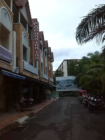 Capannina Inn: Fachada hotel.