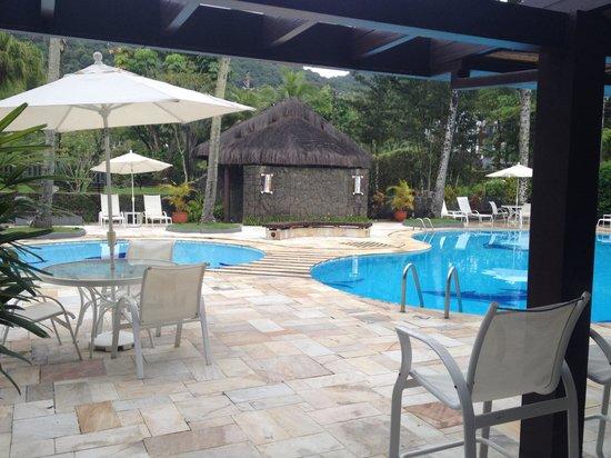 Hotel Recanto das Toninhas: Área da piscina