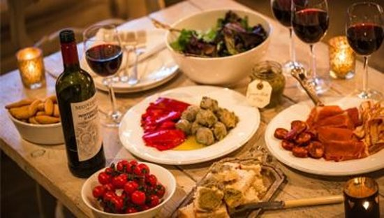 La Vina Lymington: Tapas and Wine