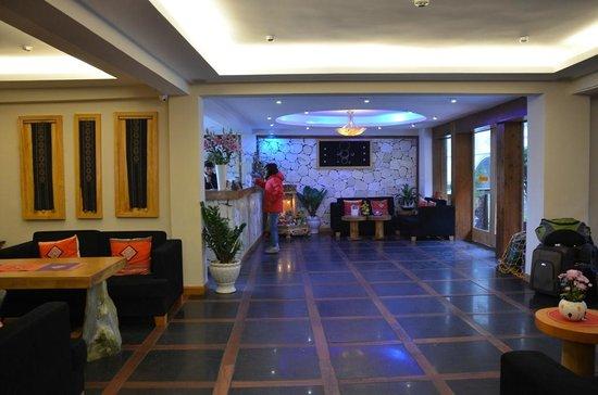 Sunny Mountain Hotel: Reception