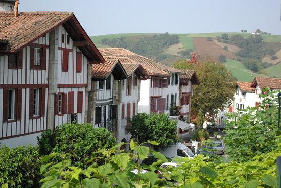 Hotel Ithurria : Le village