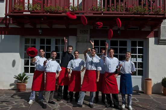 Hotel Ithurria : Les cuisiniers