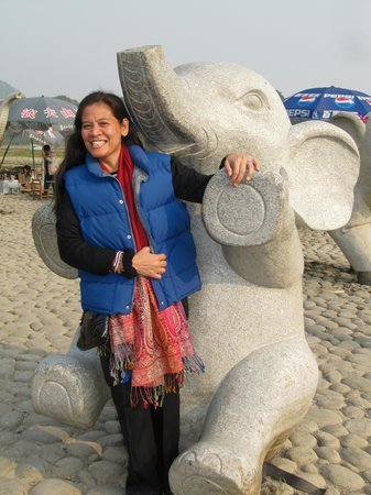 Xiangbishan Park: my wife with an elephant statue