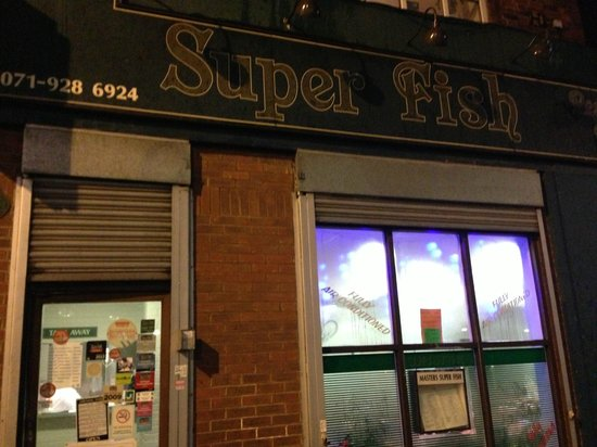Masters Superfish: Inconspicuous signage