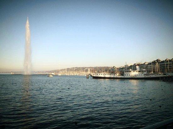 Lago de Ginebra: Le Lac Léman et son jet d'eau