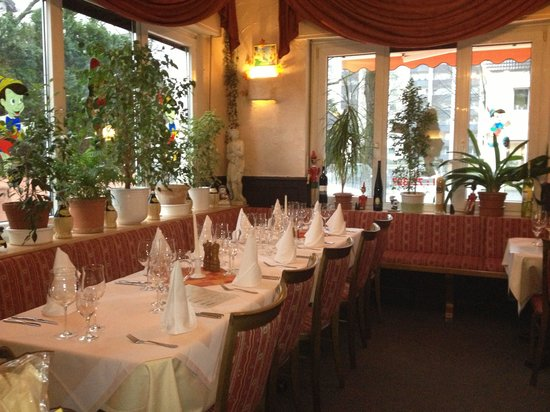 pinocchio duisburg restaurant bewertungen telefonnummer fotos tripadvisor. Black Bedroom Furniture Sets. Home Design Ideas