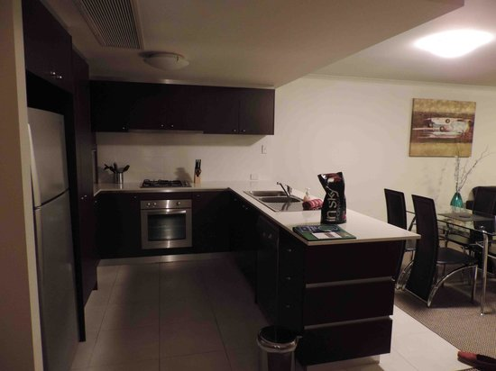 Verandah Apartments Perth: Kitchen