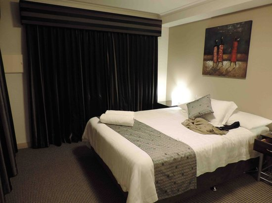 Verandah Apartments Perth: Bedroom