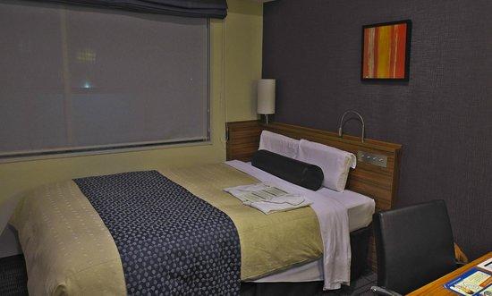 Tokyu Stay Nishishinjuku: The Double bed