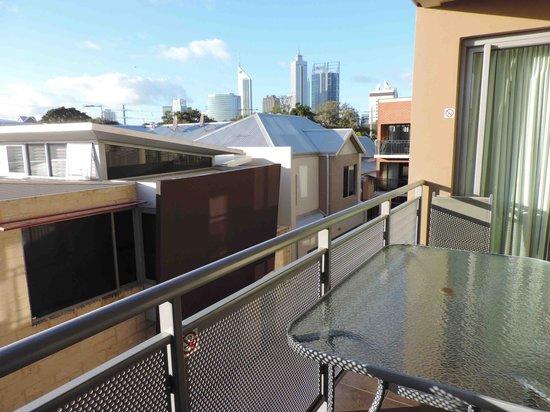 Verandah Apartments Perth: Balcony