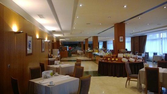 Elba Vecindario Aeropuerto Business & Convention Hotel: Breakfast room