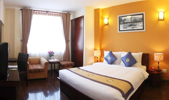 Little Saigon Corner Boutique Hotel: View from our Deluxe