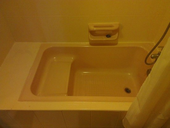 Hotel 34: Bath Room