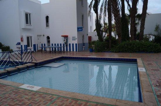 Tagadirt Hotel: бассейн для детей