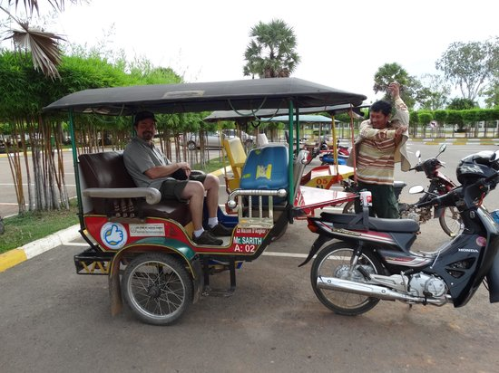 tuk tuk that the Lotus Lodge arranged to pick us up at the airport