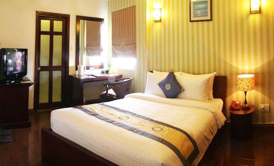 Little Saigon Corner Boutique Hotel: Superior Double Bed