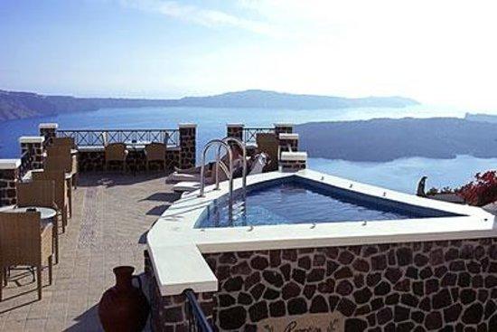 Irini's Villas Resort: HOTEL JACUZI