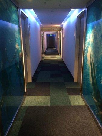 Clevelander South Beach Hotel : Korridoren var vackert utsmyckad