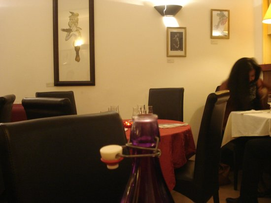 Au Pied du Sacre Coeur: Living room restaurant