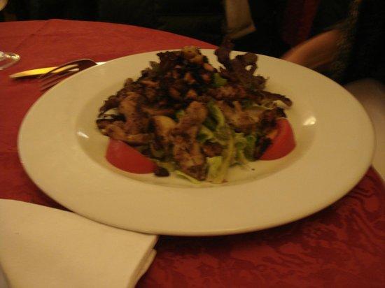 Au Pied du Sacre Coeur: Frog Salad