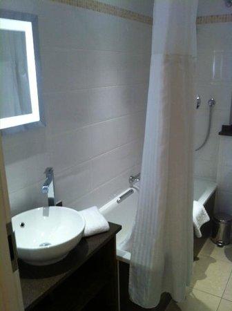 Hilton Brighton Metropole : Bathroom
