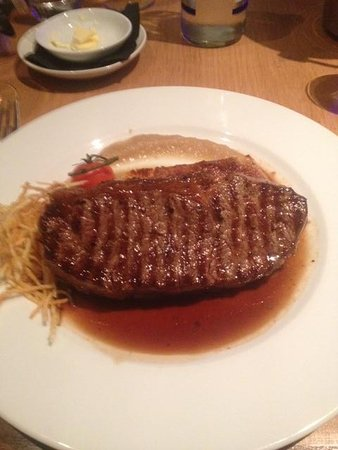Michael Neave's Kitchen and Whisky Bar: Steak