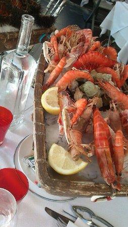 Le Rendez-vous : Bateau de fruits de mer... Excellent