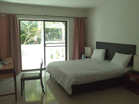 Rawai Beach Resort: Interno camera