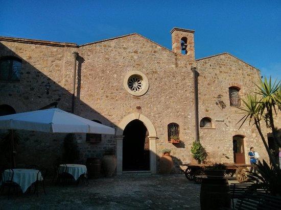 Relais Santa Anastasia: Chiesa