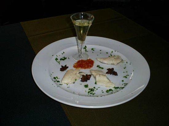 Olives : Filete de cavala (criação de Luís Oliveira) / Fillet of mackerel (signature dish Luis Oliveira)
